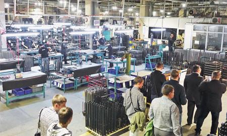 В новых цехах завода чисто, просторно, светло и «пахнет» ружьями