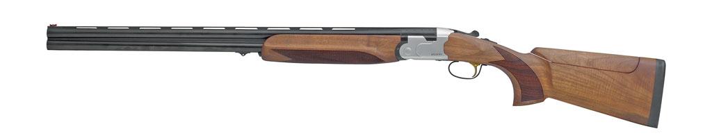 Спортивное ружьё SPSporting вкалибре 12/70со стволом длиной 710мм оборудовано легко отделяемым УСМ, механизмом регулировки гребня приклада повысоте, широкой прицельной планкой ссужением кдулу (10×6), регулируемым спуском ирядом других характеристик спортивного оружия. Масса ружья 3,6кг