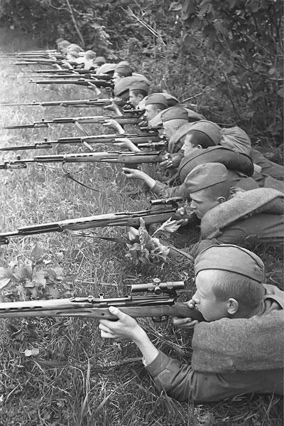 Занятие в снайперской школе