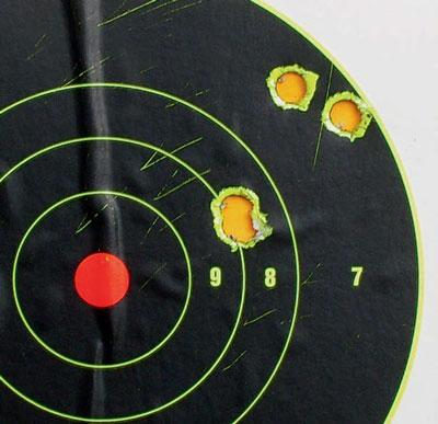 Великолепный результат Олега Холкина стрельбы 50 м – две довольно быстрых «двойки», имитирующих основной и доборный выстрелы. Стрельба осуществлялась из положения сидя с упора