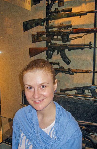 Автор стратьи Мария Бутина в музее оружия NRA