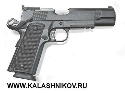 11,43-мм спортивный пистолет NORINCO NP44. Масса оружия 1,2кг, вместимость магазина 14патронов калибра .45 Auto (.45ACP)
