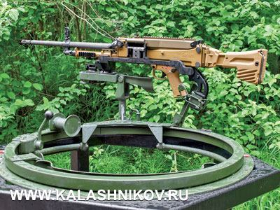 Пулемёт MG5 на станке с так называемым вертлюгом