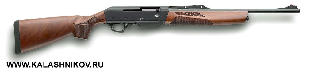На стенде петербургской фирмы «Альянс» был представлен новый самозарядный карабин Chronos итальянской компании Pietta. Я уже опробовал эту модель на стрельбище, а зимой можно надеяться на появление нового полуавтомата в российских оружейных магазинах. Пока интригует заявленная «Альянсом» розничная цена – 80 000 руб. Это серьёзная заявка на рыночный успех