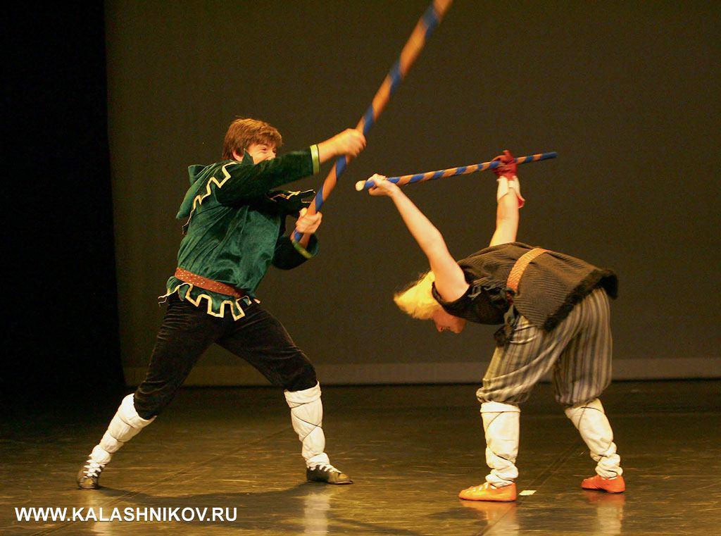 Выступление Сергея Мишенёва и Галины Черновой на легендарном турнире по арт- фехтованию в Берлине, 2006 год. Номер «Женская уловка» (Робин Гуд)