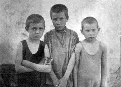 Друзья детства Александра Борисовича Жука