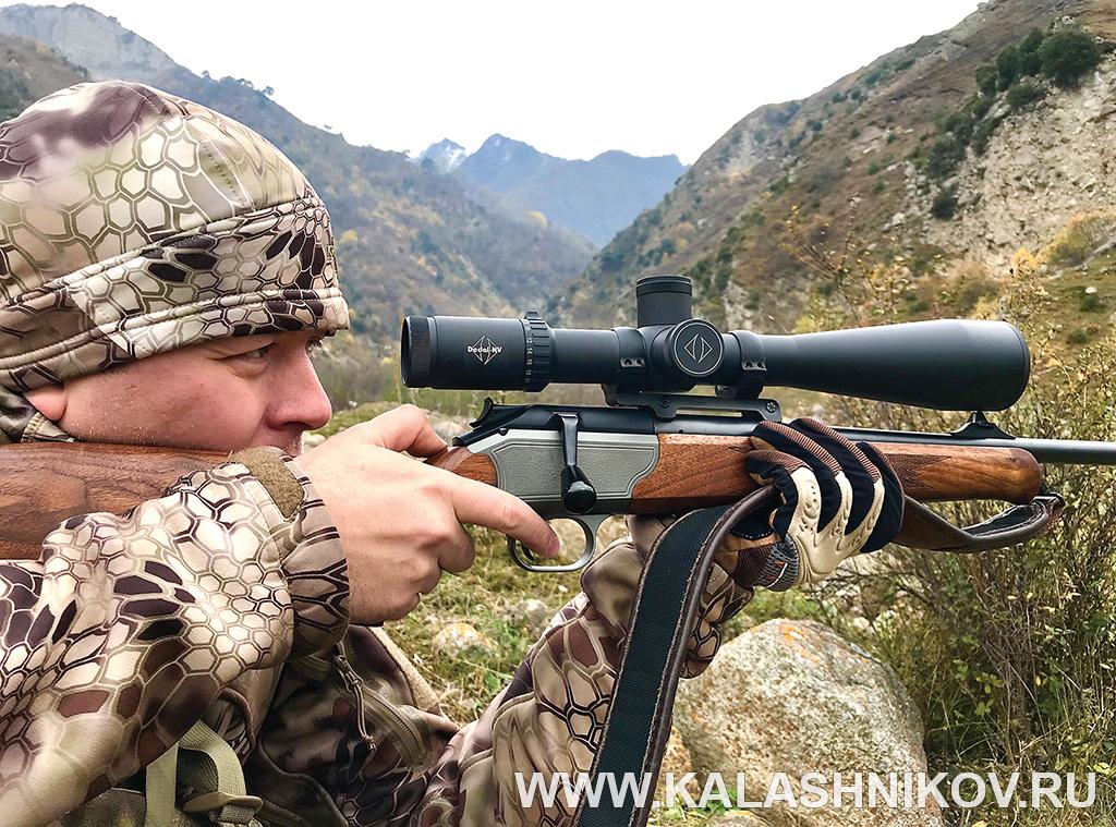 Стрельба из винтовки с оптическим прицелом Dedal DH 7-28x56. Иллюстрация к статье в журнале «КАЛАШНИКОВ»