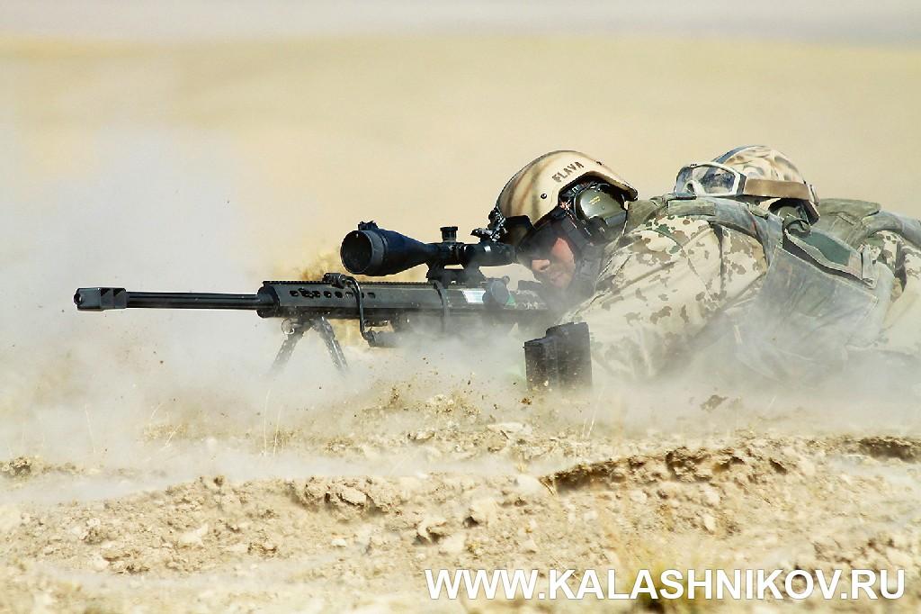 Стрельба из винтовки G82 в наушниках Peltor ComTac XP. Иллюстрация к статье в журнале «КАЛАШНИКОВ»