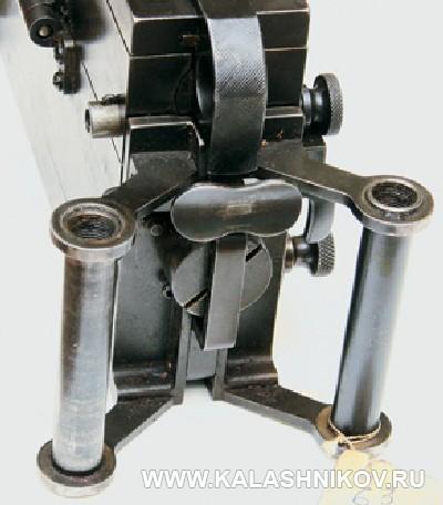 Затыльник ствольной коробки пулемёта 5.П.II . Фото из журнала «Калашников»