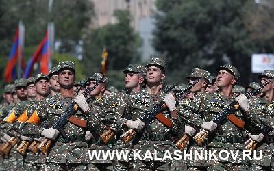 Армянские военнослужащие на параде. Журнал «Калашников»