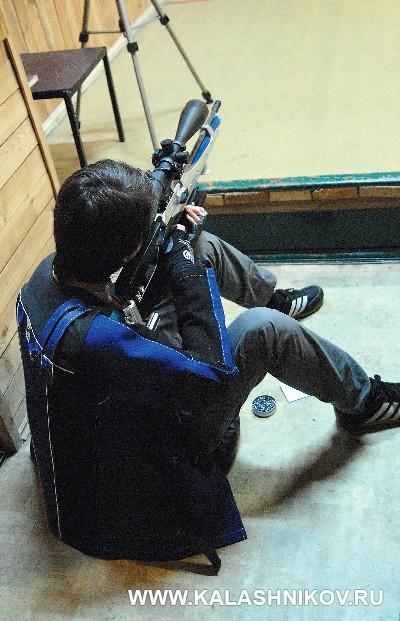 Стрельба из пневматического оружия по металлическим силуэтным мишеням. Фото из журнала «Калашников»