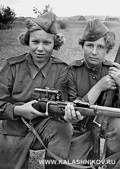 Советские снайперы с винтовками Мосина. Фото журнала «Калашников»