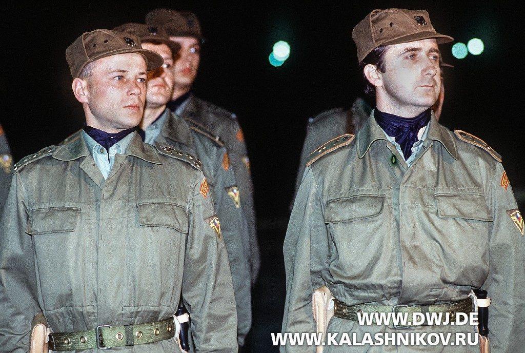 Чехословацкие военнослужащие во время операции «Буря в пустыне»