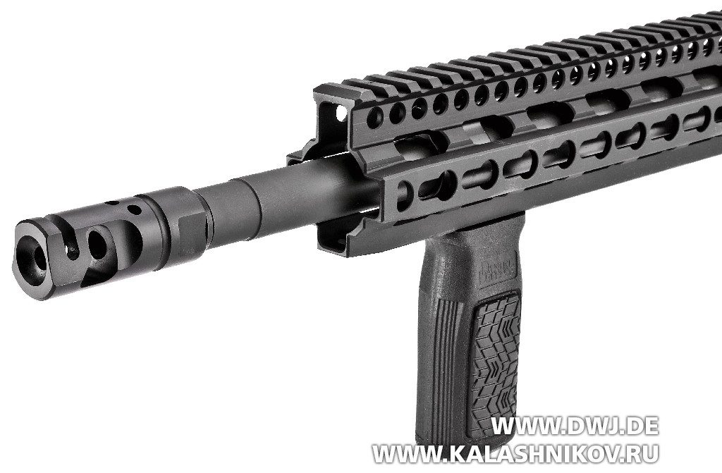 Винтовка Daniel Defence M4V11 PRO. Цевье
