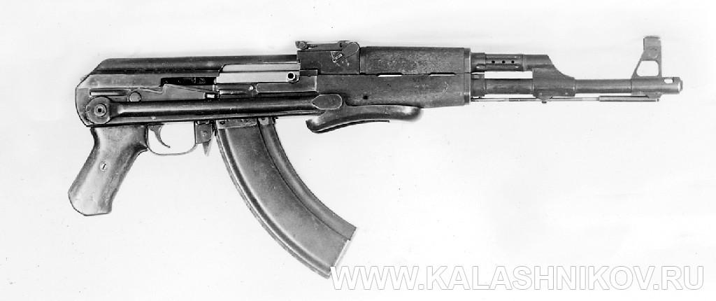Автомат Калашникова со складывающимся металлическим прикладом. Журнал Калашников.