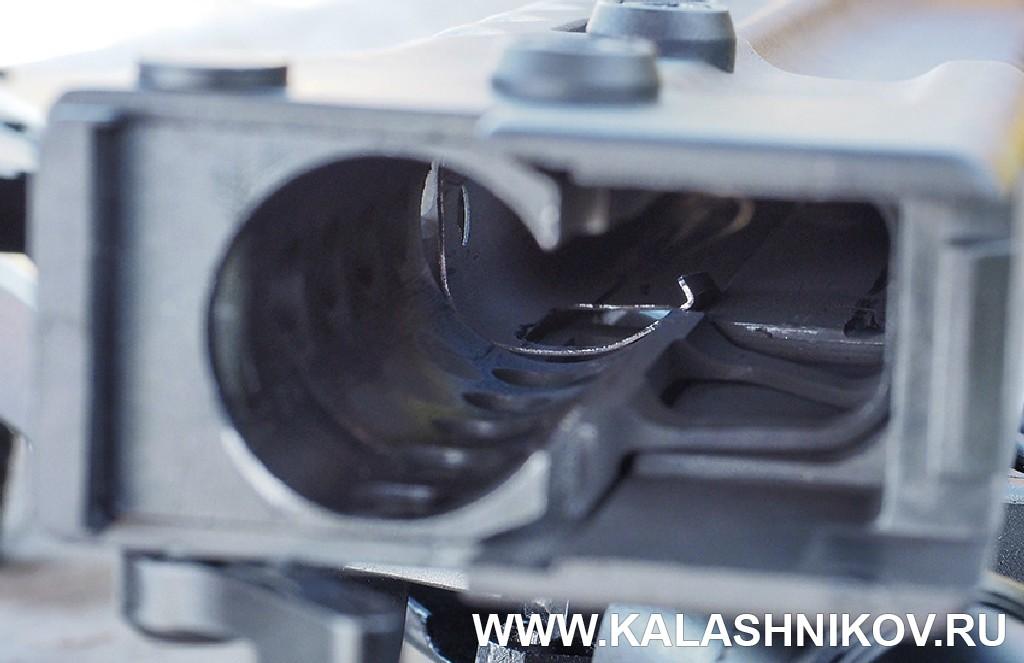 Металлический экран внутри цевья карабина «Сайга-107»/SR1. Журнал «Калашников»