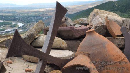 болнисский крест, грузия, журнал калашников, михаил дегтярёв