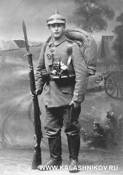 Немецкий солдат с винтовкой Маузера. Журнал Калашников