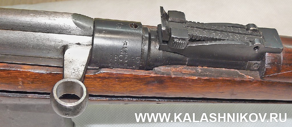 Часть затворной рамы, прицельная планка и клеймение карабина Токарева  1935/37 года с капсюльным двигателем. Журнал Калашников
