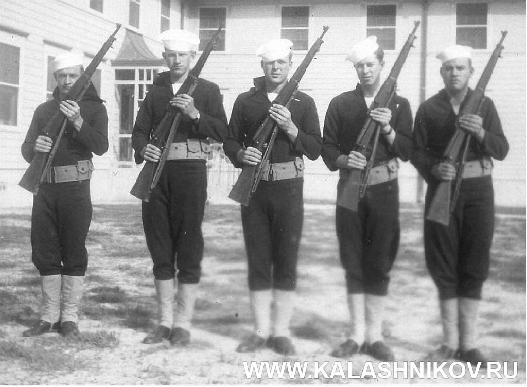 Американские морские пехотинцы с тренировочными винтовками Parris-Dunn. Журнал Калашников