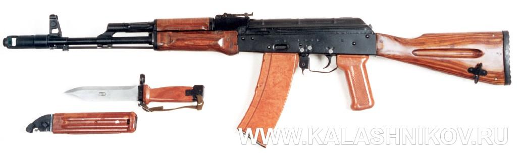 Штык-нож 6х4 для автомата Калашникова. Журнал Калашников