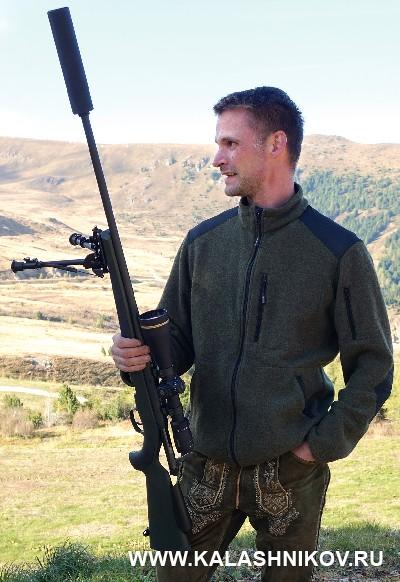 Охотник с карабином Steyr SM12 SX на Steyr Days 2018. Журнал Калашников