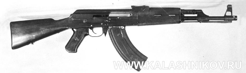 Автомат Калашникова АК-47 №1 в изначальном виде. Журнал Калашников
