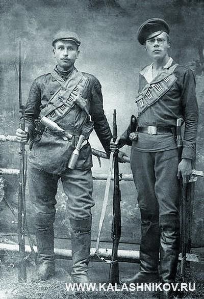 Солдаты с гранатами образца 1912 года. Журнал Калашников