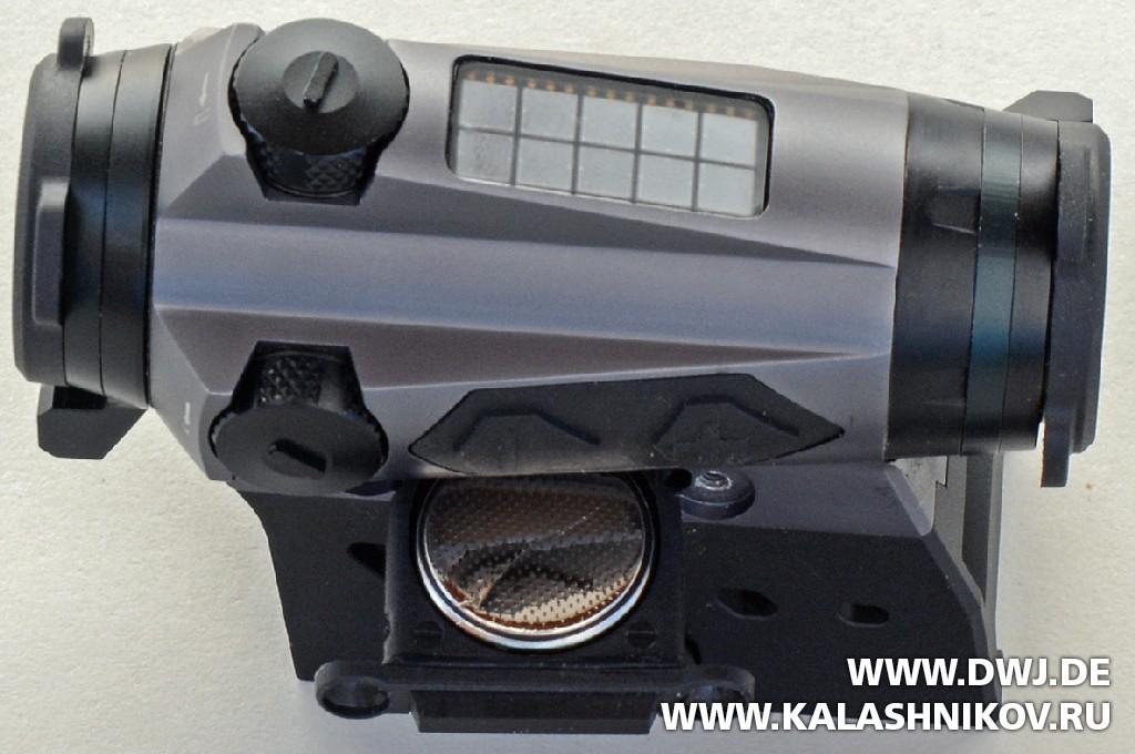Коллиматор SIG Sauer electro-optics Romeo 4c с открытым батарейным отсеком. DWJ. Журнал Калашников
