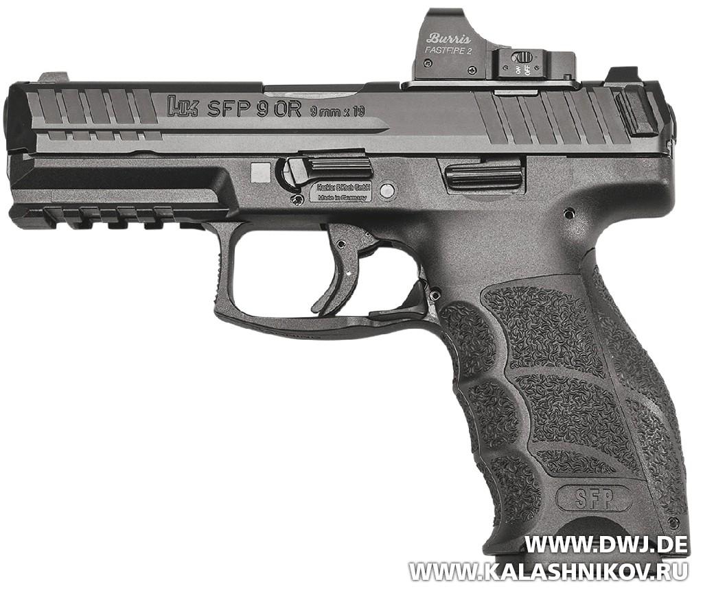 Пистолет HK SFP9 OR. Вид слева. Журнал Калашников