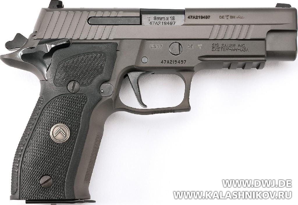 Пистолет SIG Sauer P226 Legion. Журнал Калашников