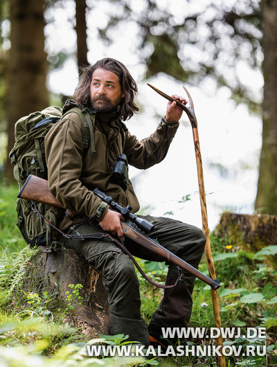 Охотник с прицелом Steiner