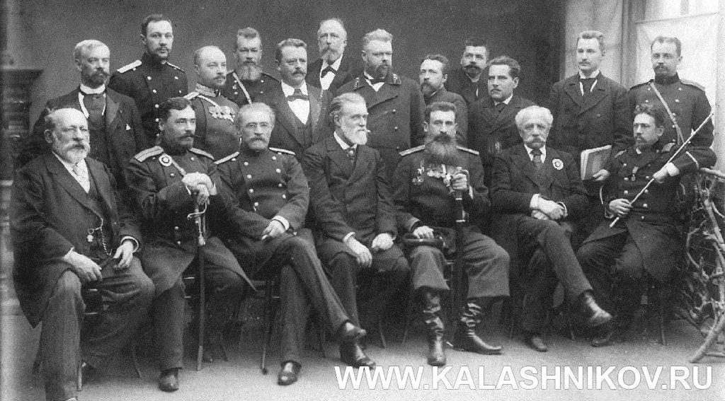 Члены экспертной комиссии Второй выставки охотничьего оружия