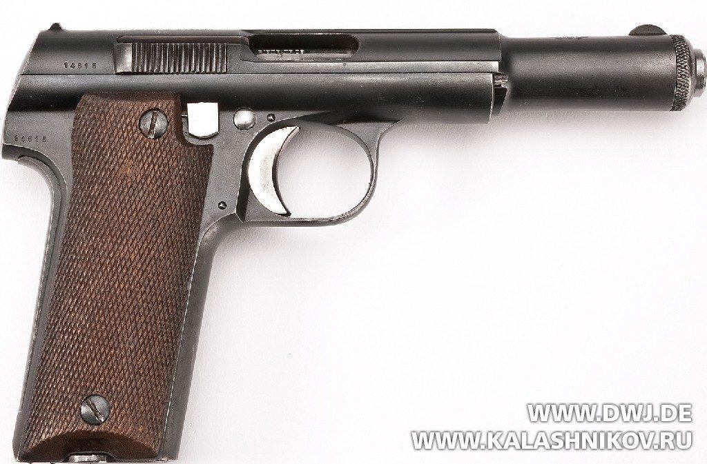 Испанский пистолет Astra M 600/43. Вид справа