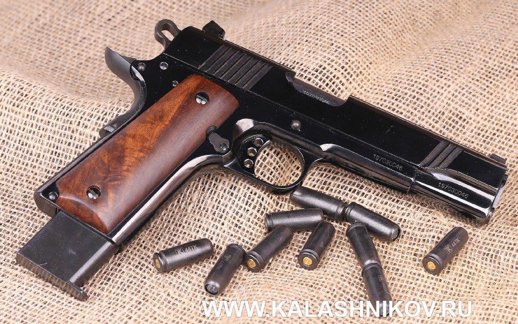 Травматический пистолет ТК1911Т. Отделка деревом