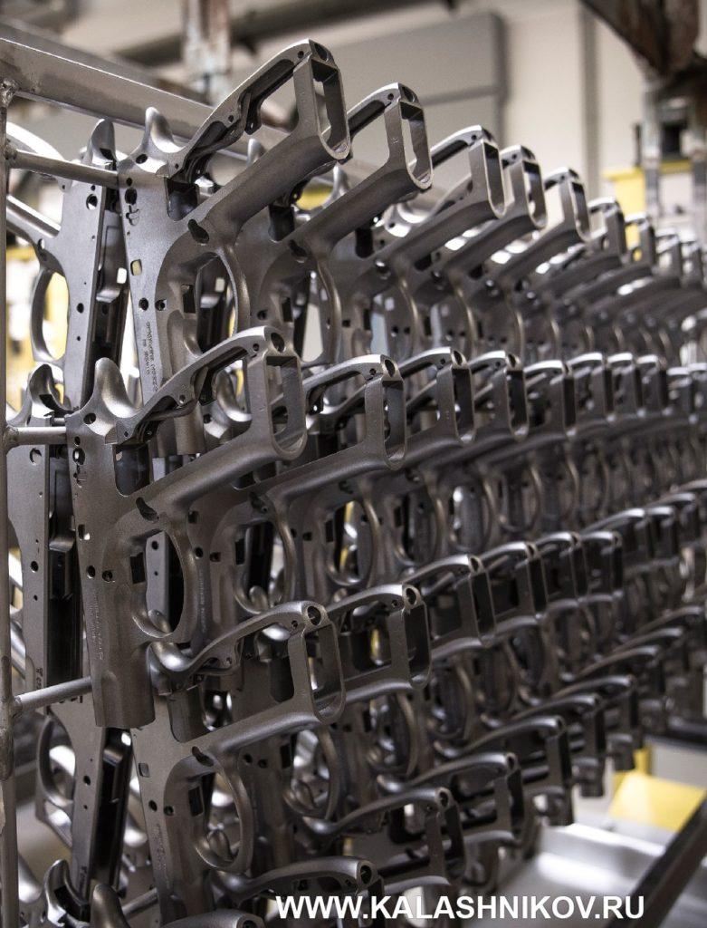 пистолетные рамки на производстве CZ