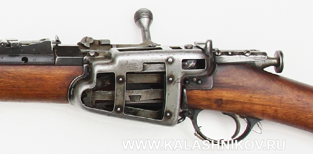 4,2-лин. магазинная переделочная винтовка конструкции Бердана-Игнатовича 1886г. Магазин с прорезями