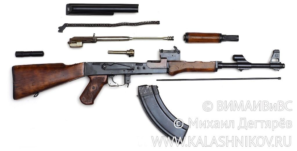 Неполная разборка 7,62-мм АК из первой серийной партии