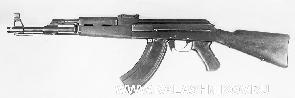 опытный Автомат Калашникова (АК) №2  Вид слева