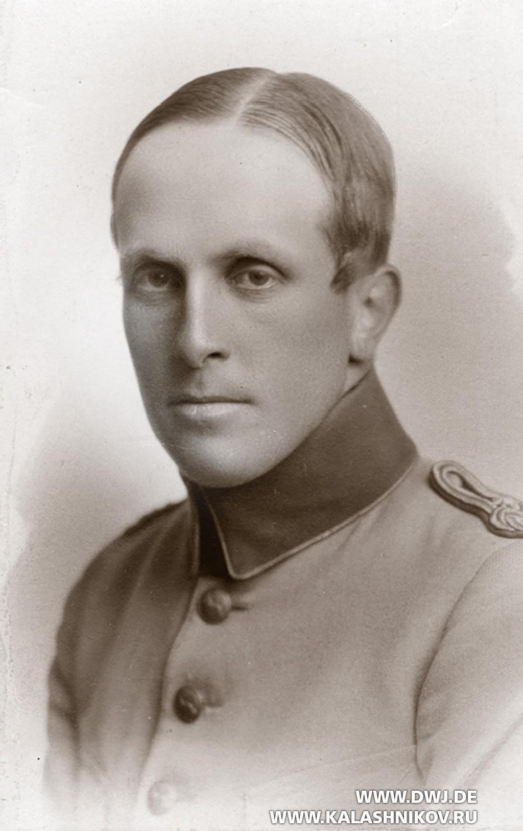 Нильс Густав Бертиль Дибек (Nils Gustaf Bertil Dybeck)