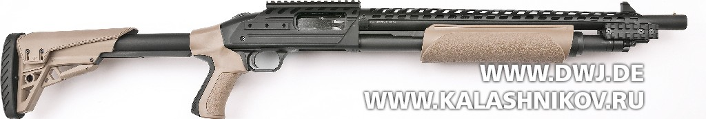 Помповое ружьё Mossberg 500 ATI Scorpion Tactical. Вид справа