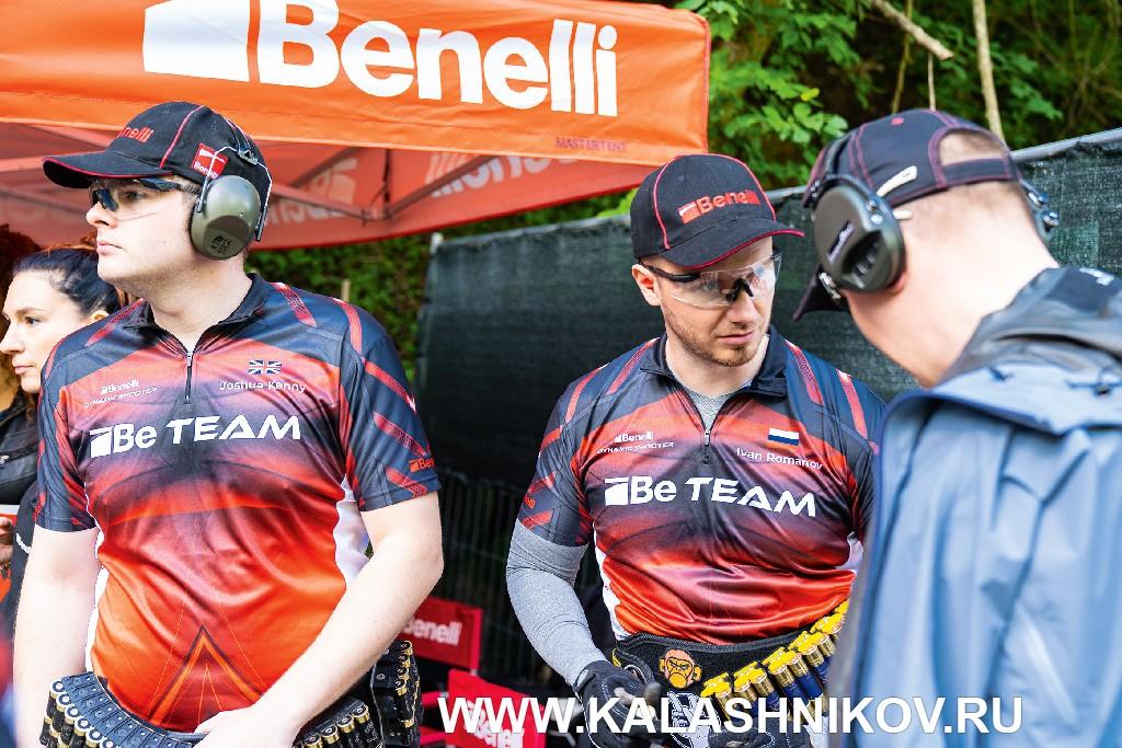 Иван Романов в команде Benelli (Be Team) попрактической стрельбе изружья (IPSC)