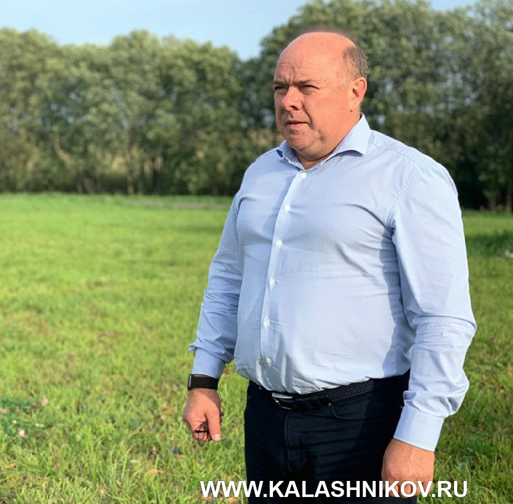 Президент ассоциации «Русское оружие» на территории стрелкового центра