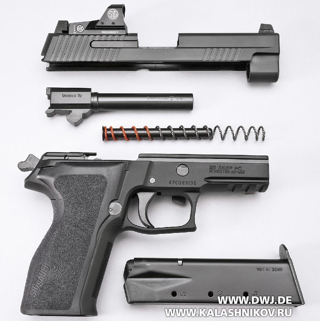 Пистолет SIG Sauer P226 RX сколлиматорным прицелом Romeo1. Неполная разборка