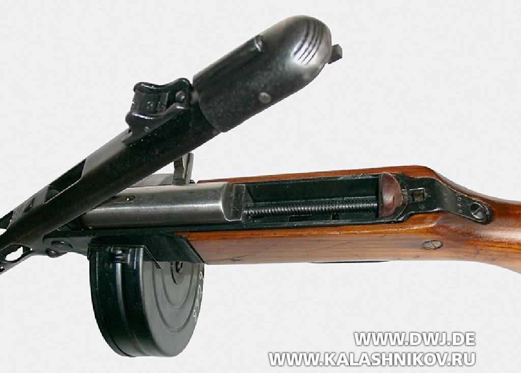 Пистолет-пулемёт Шпагина (ППШ-41) открытие ствольной коробки