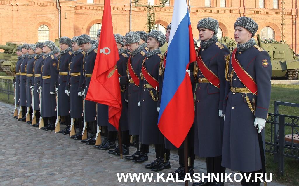 Открытие памятника М.Т.Калашникову. Фото 1