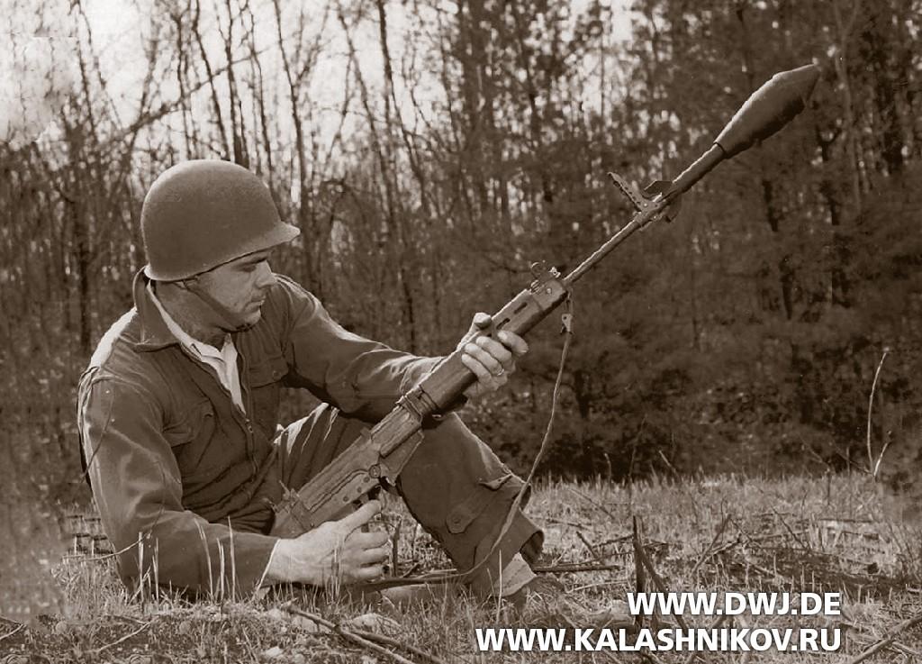 Стрельба извинтовки Т48 (FAL) винтовочной гранатой М2