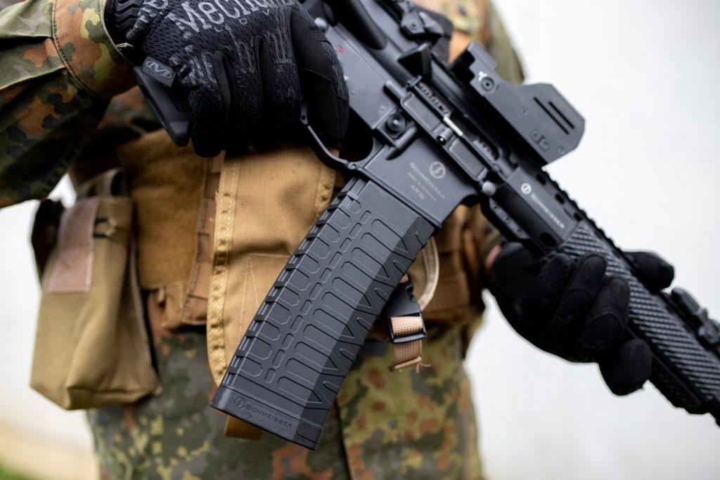 Schmeisser S60, AR-15
