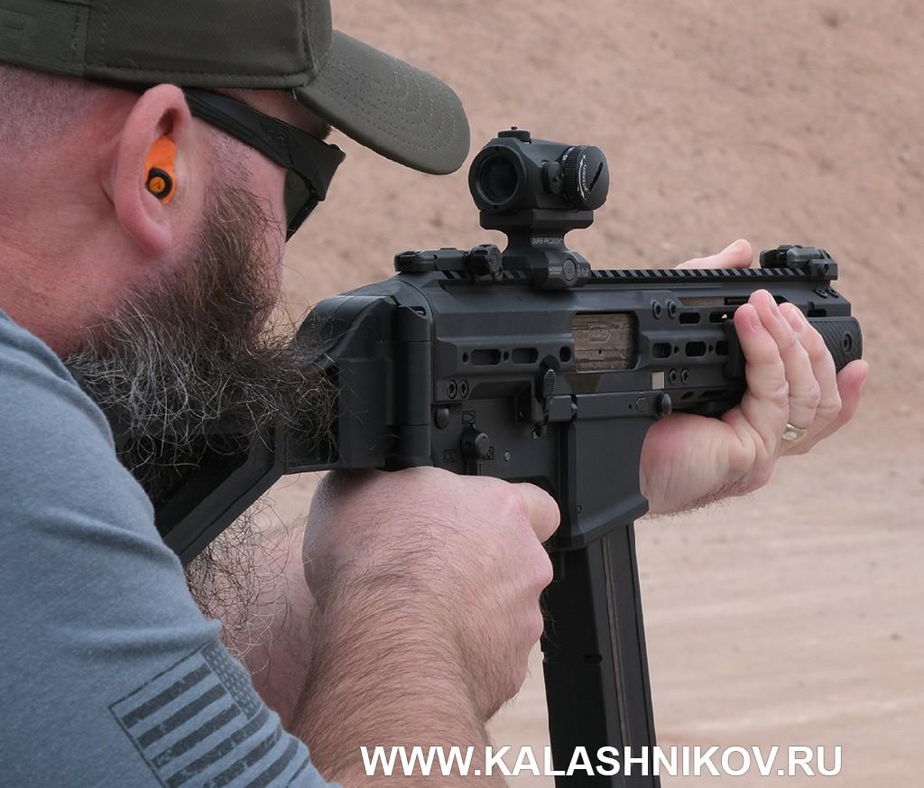 Стрелковый день выставки SHOT Show 2020. Фото 23. Пистолет-пулемёт LWRC SMG-45
