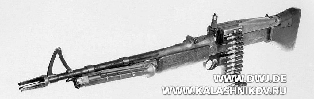Пулемёт Т52Е1. Вид слева